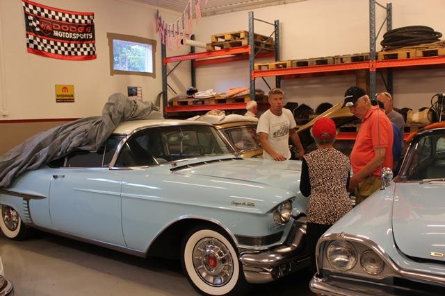 Patrik visar sina bilar